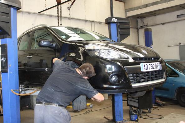 Atelier m canique et carrosserie peinture grarage for Garage renault atelier